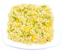 Brown rice with peach and curry