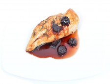 Grilled chicken breast with sour cherry souce