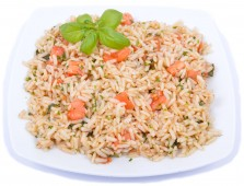 Brown rice with basil and tomato