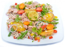 Pearl-barley salad with tuna